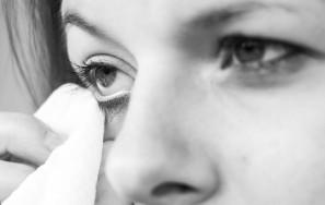 So verbessern Sie nachhaltig Ihren Tränenfilm – 3 einfache Tipps
