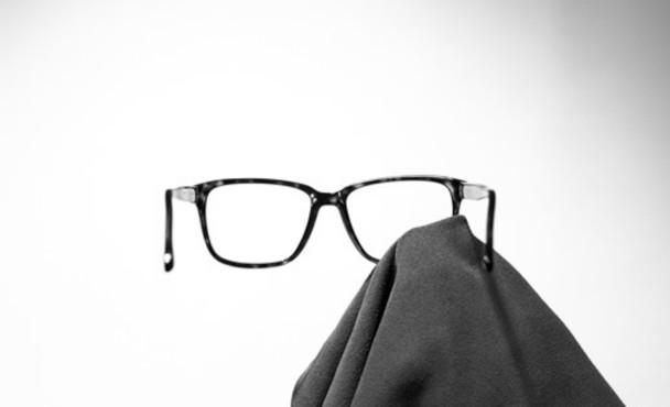 brille richtig putzen unsere tipps f r sie optik lehr gmbh ihr optiker 3x in mainz. Black Bedroom Furniture Sets. Home Design Ideas